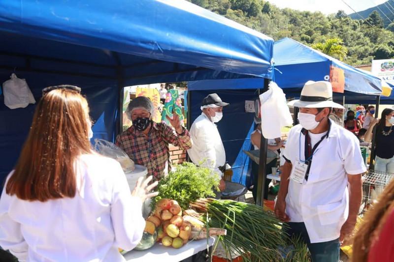 Mercado campesino virtual en Santa Bárbara