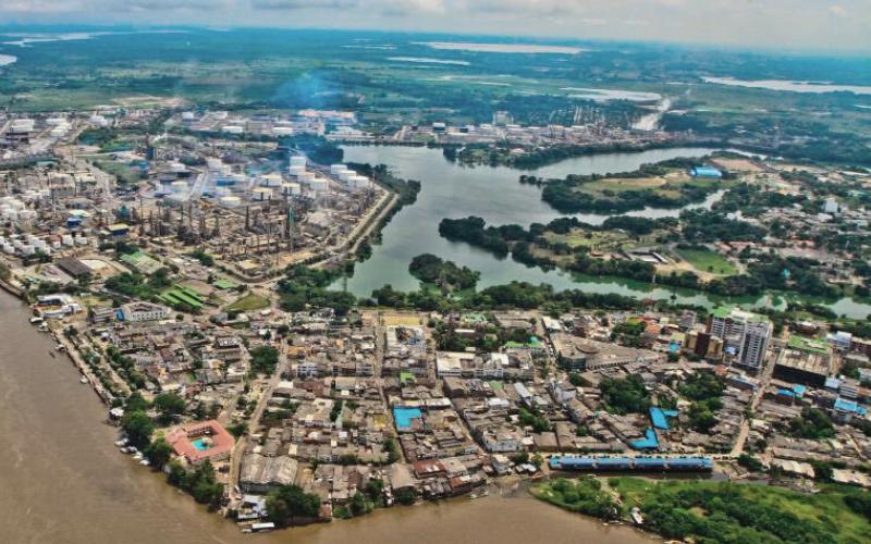 'Puerto Petrolero' con restricción independiente