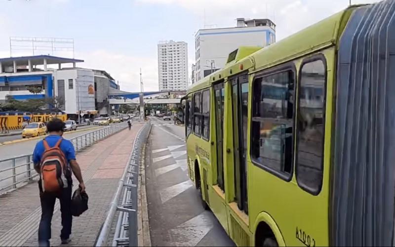 Metrolínea ajusta horarios por 'Toque de Queda'