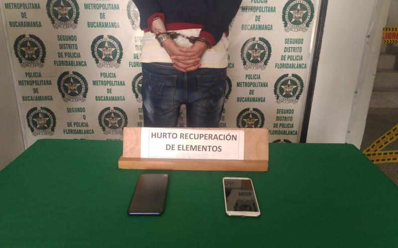 En Floridablanca lo 'pillaron' hurtando dos celulares