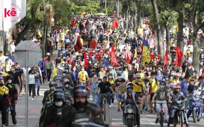 Así avanza la marcha del Primero de Mayo en Bucaramanga