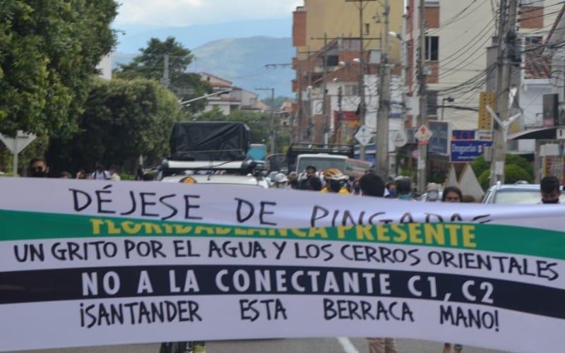 Avanza a esta hora la marcha por los Cerros Orientales