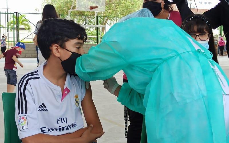 En Girón ya están vacunando a mayores de 12 años