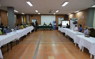 'Comando de Puertas Abiertas' en la Comuna 17 de Bga