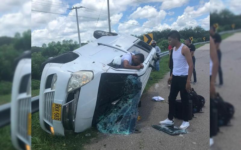 El 'Joven Juglar' se accidentó en la vía Valledupar – Bosconia