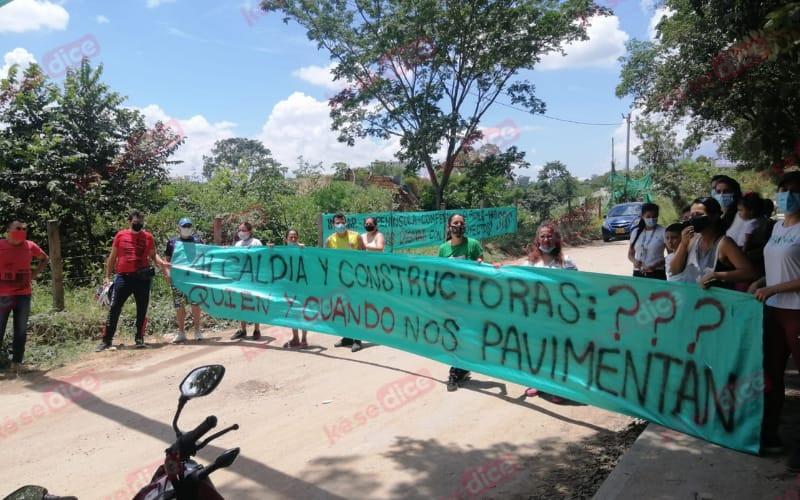 Residentes del fondo del Carrizal piden una vía digna