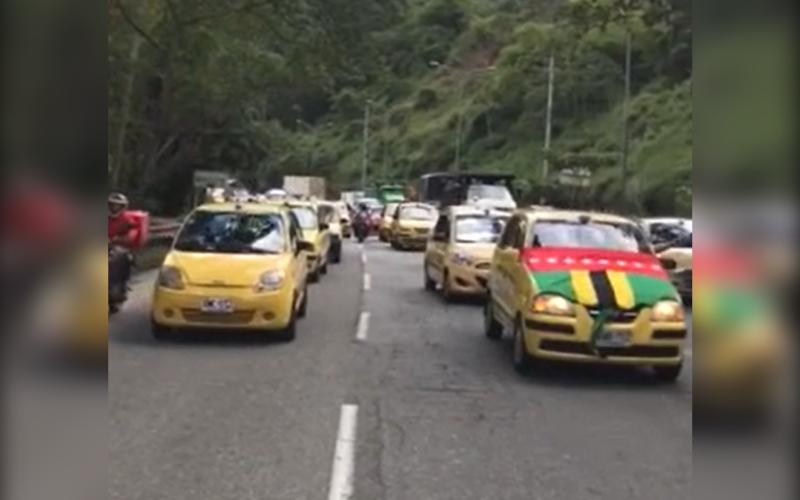 Taxistas hicieron 'Plan Tortuga' en Floridablanca