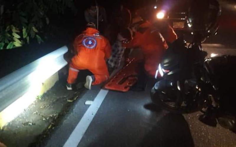 Cayó de un vehículo en movimiento en El Socorro