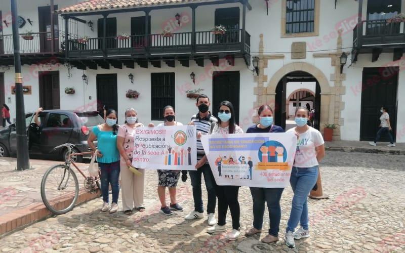 Protesta por sede primaria del colegio Serrano Muñoz