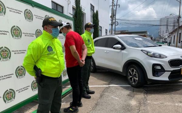 'Rodaba' en camioneta robada por Bucaramanga