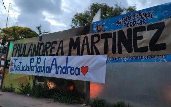 Con esperanza de justicia y solidaridad, homenajearon a Paula Andrea.